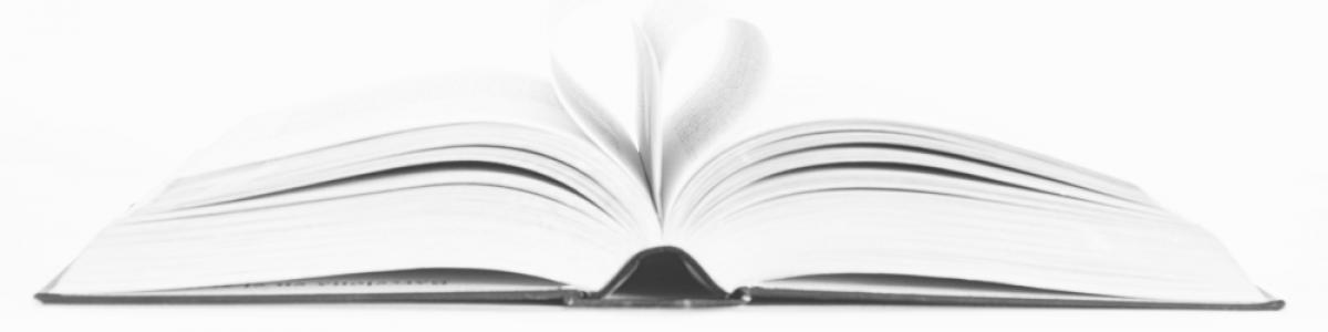 Bog med sider foldet som hjerte